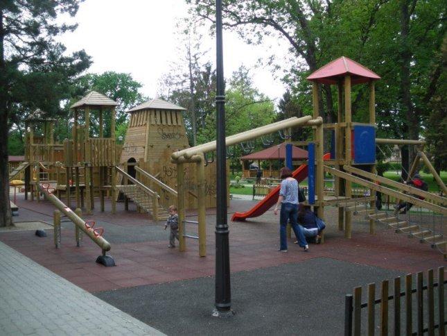 Loc de joaca - Parcul Carmen Sylva