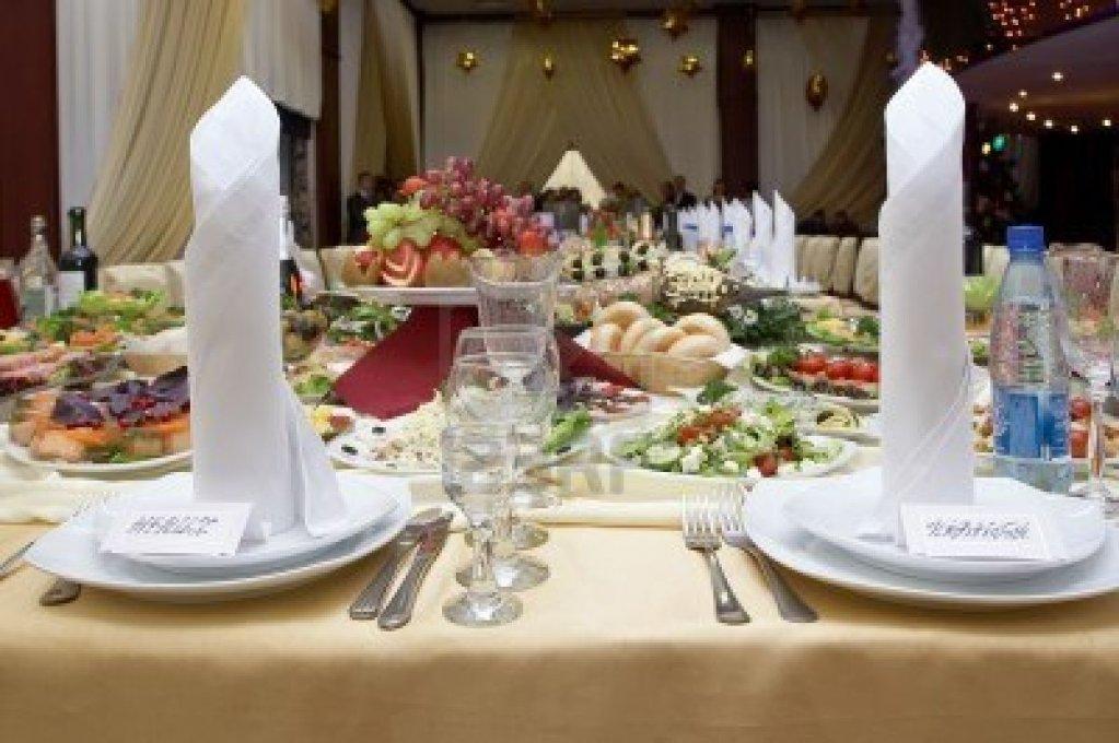 Meniul zilei la Restaurant Check Inn pentru 25-29 iunie 2012