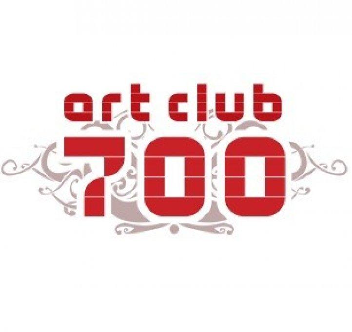 Art Club 700