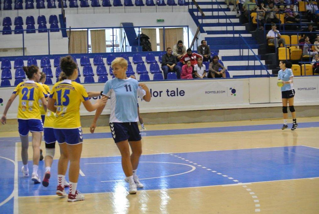CS Timisoara 35 - 24 Universitatea Timisoara - handbal feminin