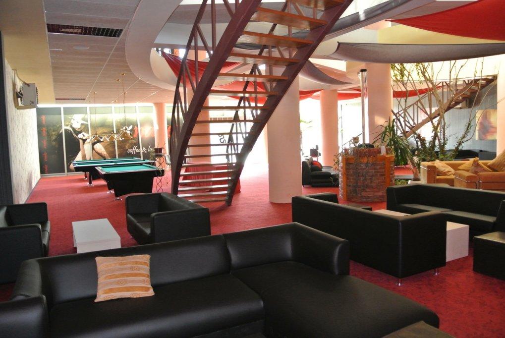Snake Coffee & Lounge Timisoara - bar, biliard