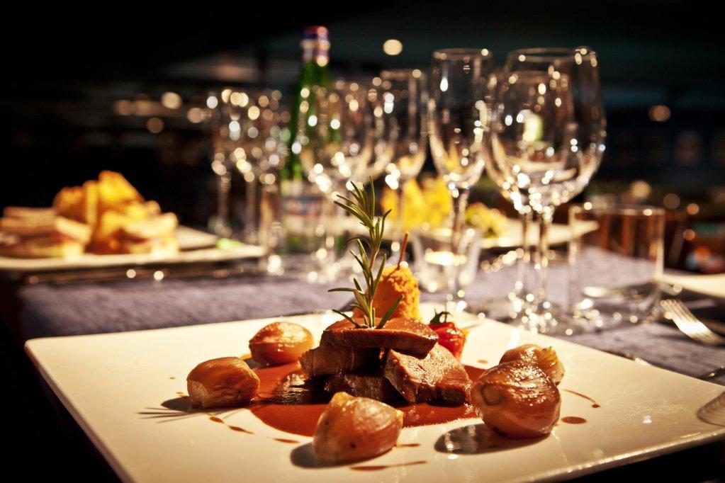 Meniul zilei pentru 25.02-1.03.2013 by Restaurant Check Inn