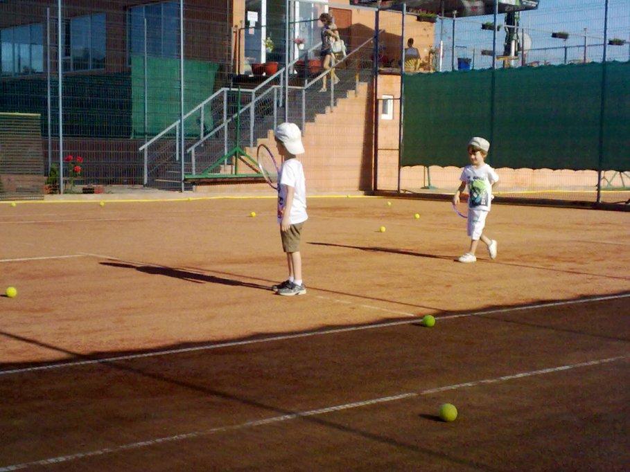 Curs tenis pentru copii