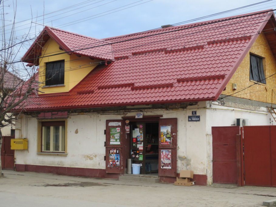 Minimarket - str. Pindului, nr. 2