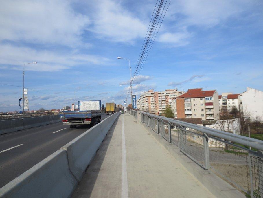 Pista pentru biciclete - pod Calea Sagului