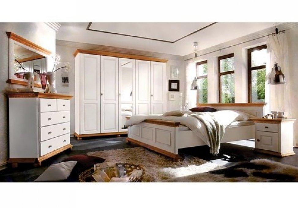 Mobila de dormitor din lemn masiv la oferta