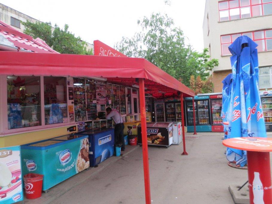 Minimarket - str. Astrilor colt cu Aleea Azurului