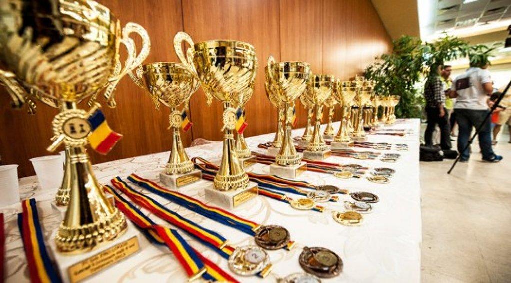 Cei mai mici dintre sahisti au primit cele mai mari premii la primul OPEN INTERNATIONAL DE SAH PENTRU COPII SI JUNIORI SUB 16 ANI