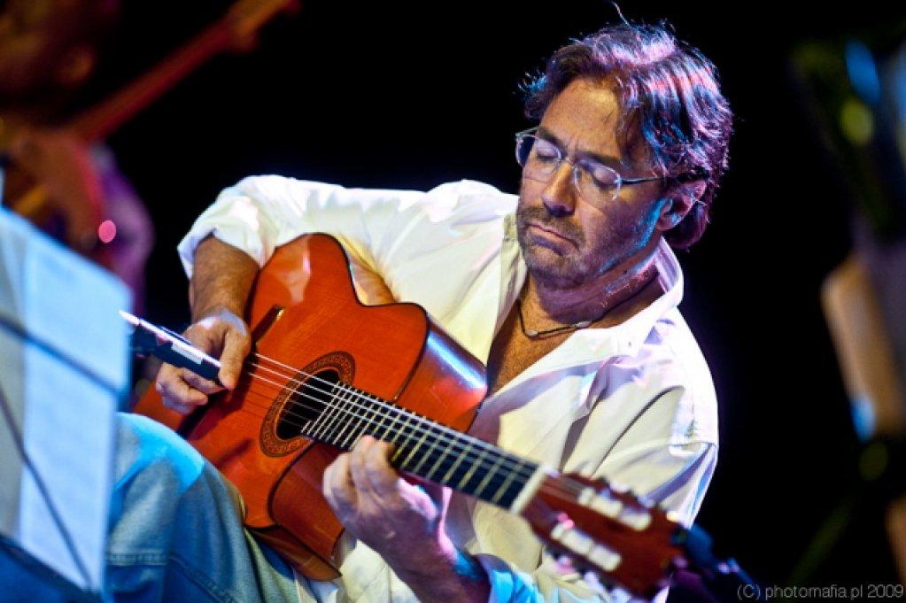 Al Di Meola plays Beatles and more
