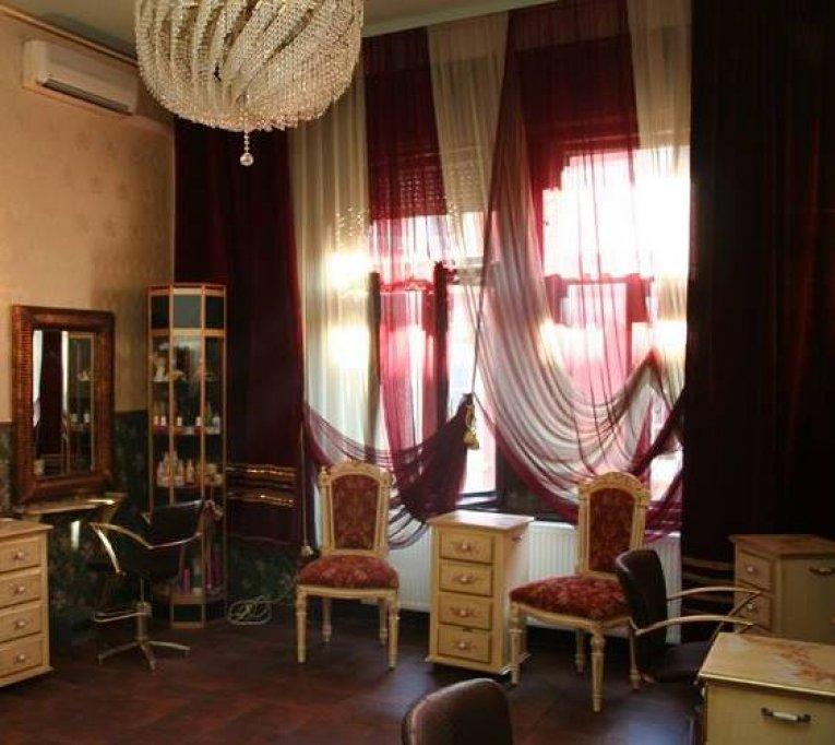 Salon Delia Urdes
