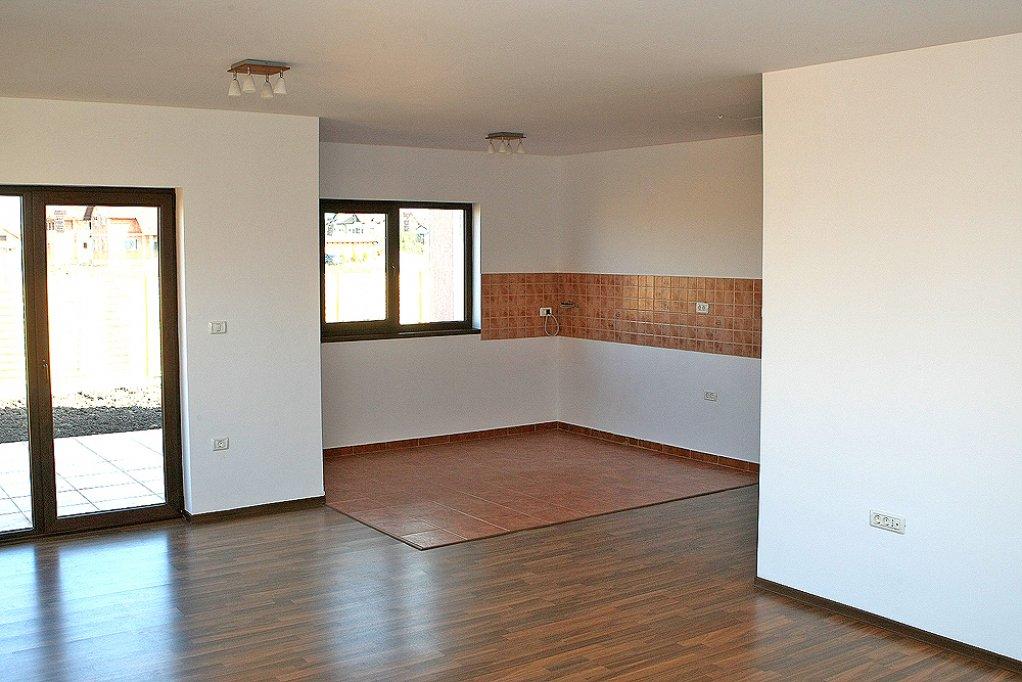 Vand casa single in Sanandrei
