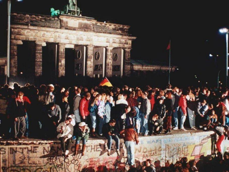 25 de ani de la caderea Zidului Berlinului – Proiectii de filme