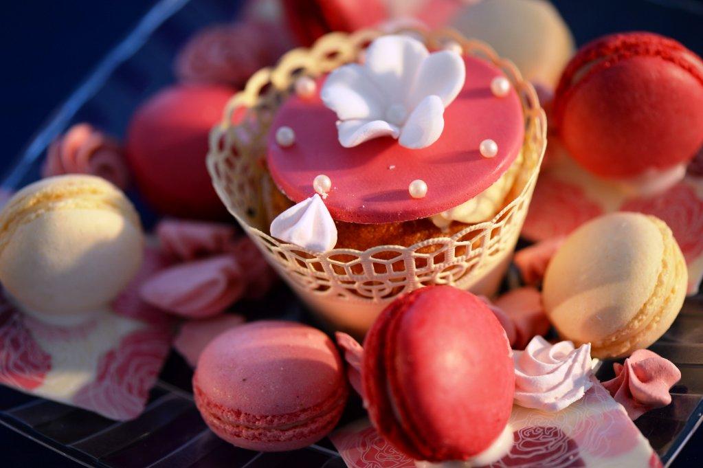 "Cofetaria Trandafirul ""expune"" prajituri delicioase la expozitia cu vanzare din 23 si 24 decembrie"