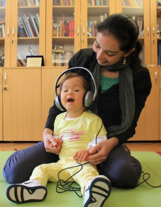 """Terapia prin muzică pentru copiii cu dizabilități continuă la Fundația de Abilitare """"Speranța"""" din Timișoara"""