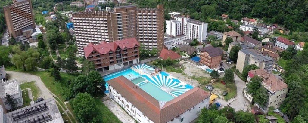 Turistii opteaza pentru cazarea in hotelul Sara's Sons pentru un confort garantat