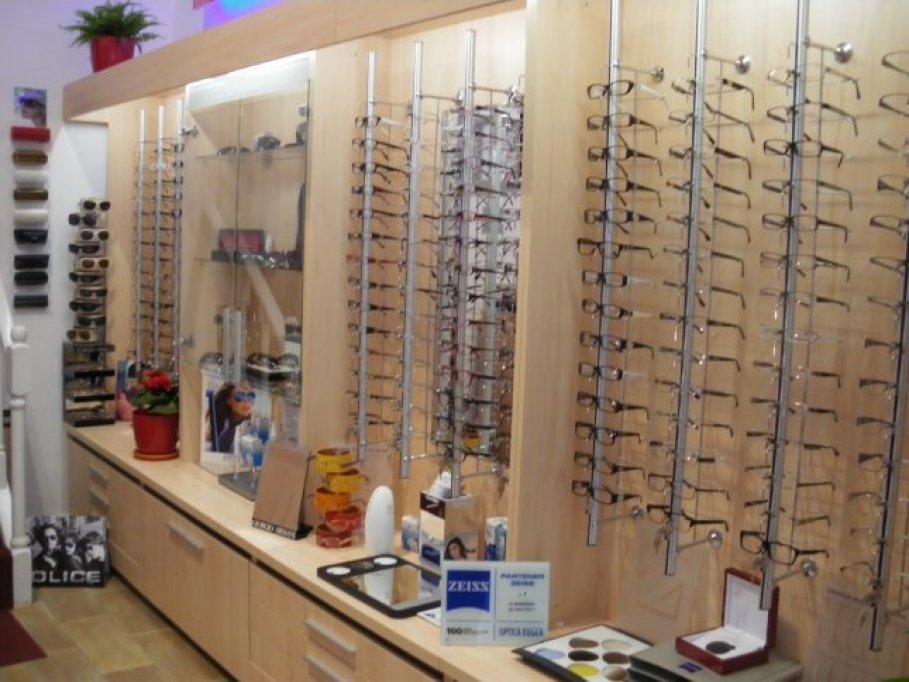 Angajam personal pentru magazinul de optica