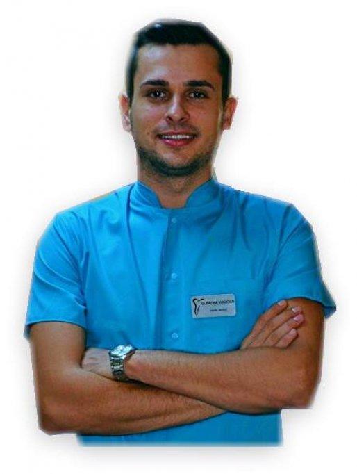 Vlădescu Răzvan - Medic Stomatolog