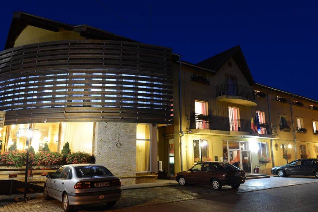 Revelion 2017 la Hotel Restaurant Trio