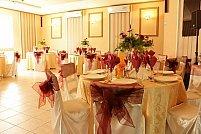 Restaurant La Rousse Timisoara ofera sala de botez cu 30 - 80 de locuri