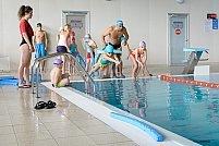 """""""Hidroterapia luminează vieți"""" pentru 100 de copii cu dizabilități"""