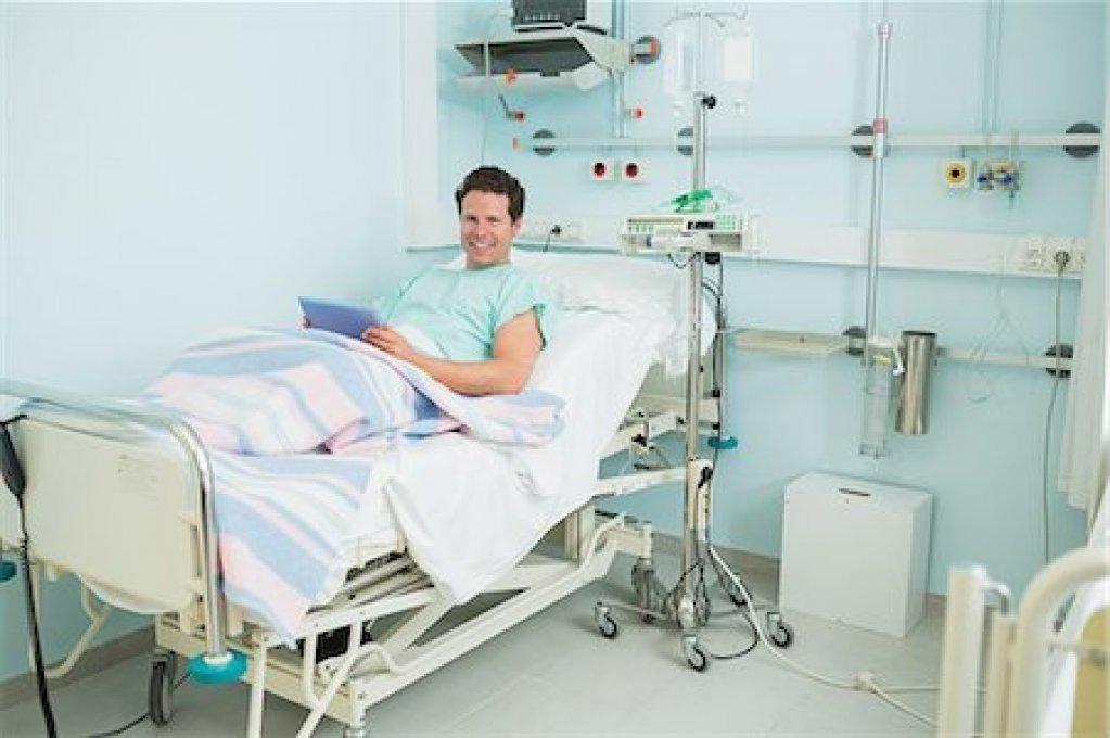 Românii din din vestul țării pot beneficia de acoperire pentru diagnosticarea și tratarea cancerului prin planurile de asigurare medicală internațională și cardul NESA