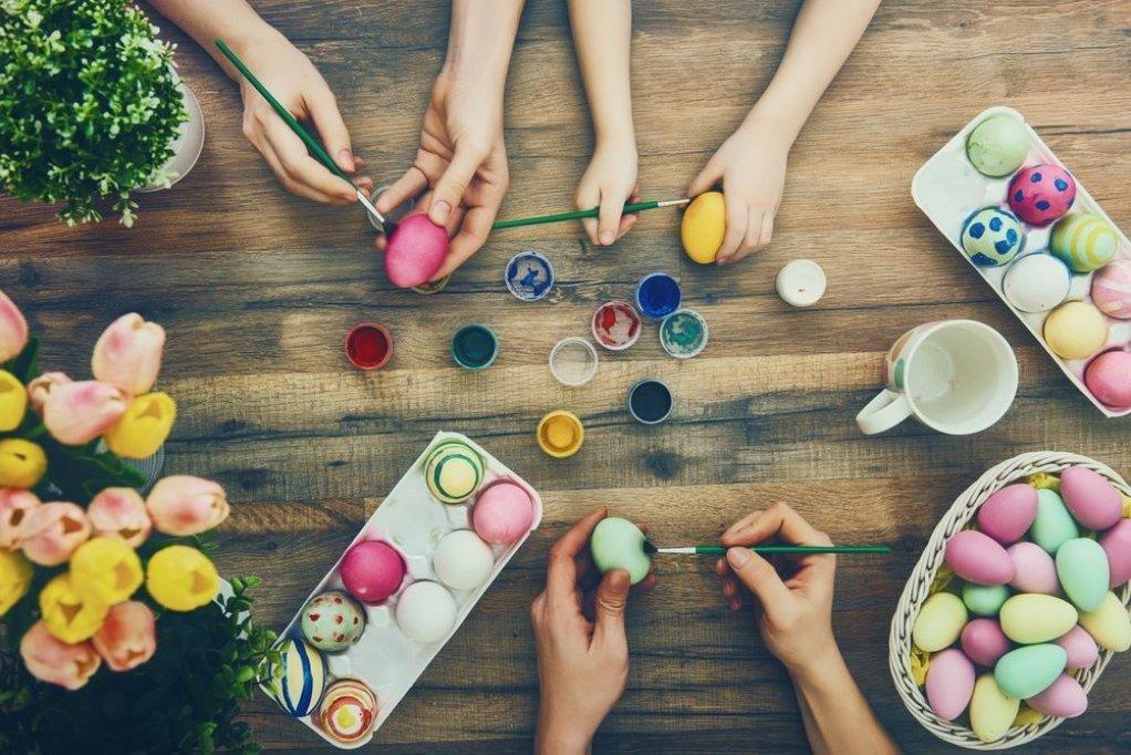 Pictăm și decorăm ouă ! tehnica mixtă