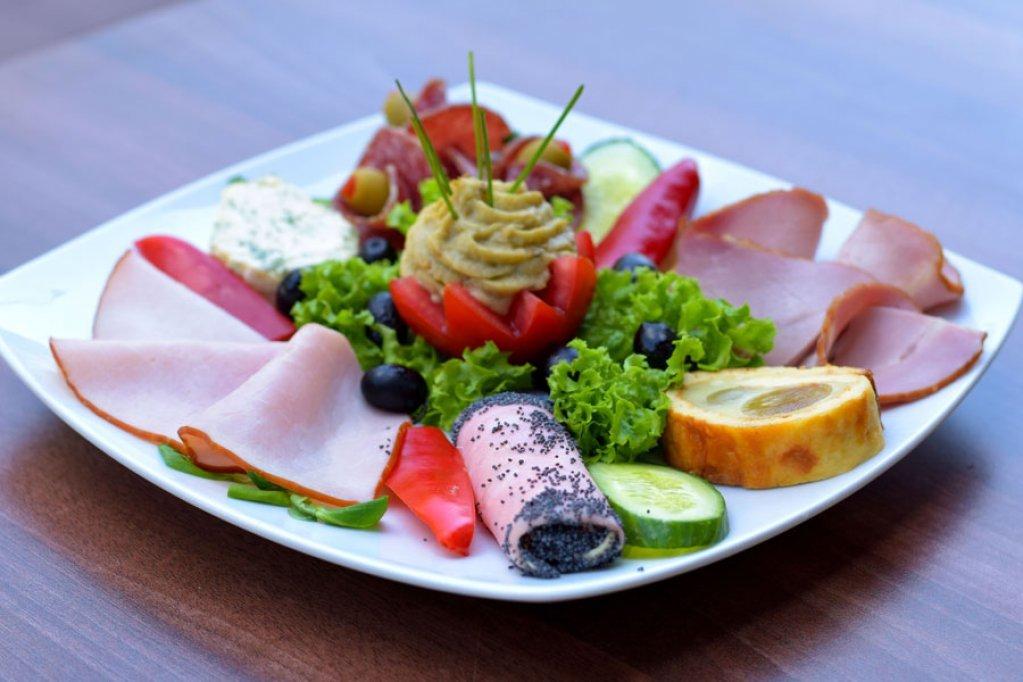 Meniu 3 pentru nunta si botez - Restaurant Zefir