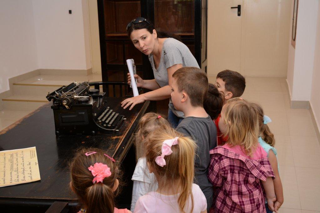 ,,Buburuzele,, Gradinitei din Hodoni in vizita la Biblioteca Centrala a Universitatii Politehnica din Timisoara