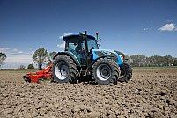 Tractorul – regele uneltelor în agricultură