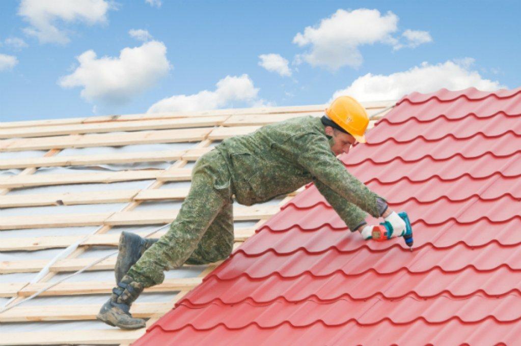Decopera tigle metalice la preturi accesibile pentru acoperisuri sigure