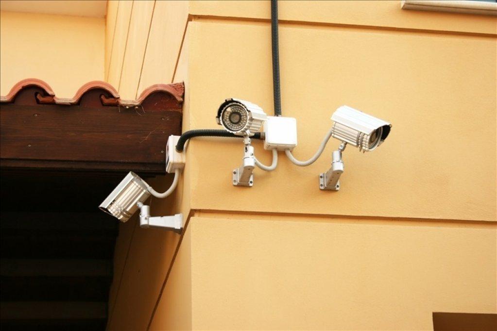 Afla care sunt avantajele si dezavantajele camerelor de supraveghere