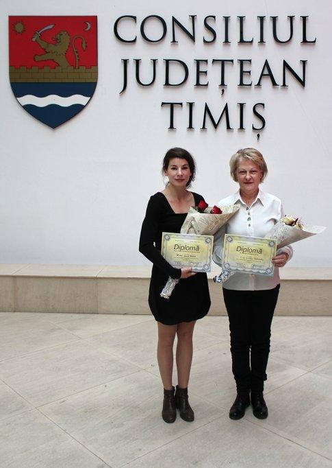 """Diplome de Excelență și distincții Pro Cultura Timisiensis pentru angajații Teatrului Maghiar de Stat """"Csiky Gergely"""" din Timișoara"""