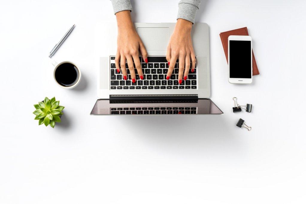 Reducerile de primavara: Ce sa cumperi ACUM pentru biroul tau pentru a-ti face munca mai eficienta