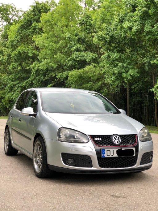 Vând Golf V motor 1.9 diesel (105 cp)