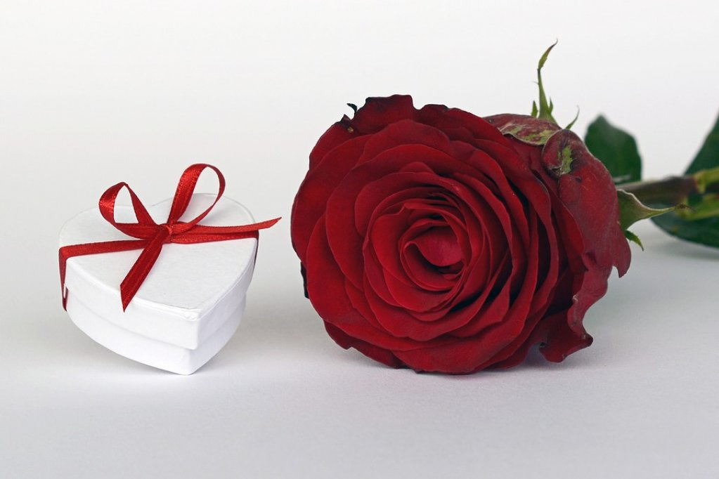 4 surprize romantice pentru iubita ta
