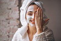 Masca exfolianta pentru netezirea pielii cu ulei de canabis si sare
