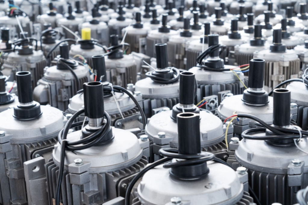 Motoare electrice cu frână electromagnetică de la BMES, pentru eficiență sporită