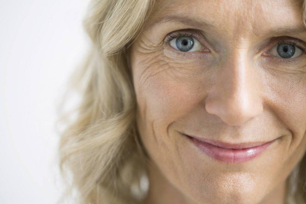 7 trucuri pentru un ten frumos la menopauză