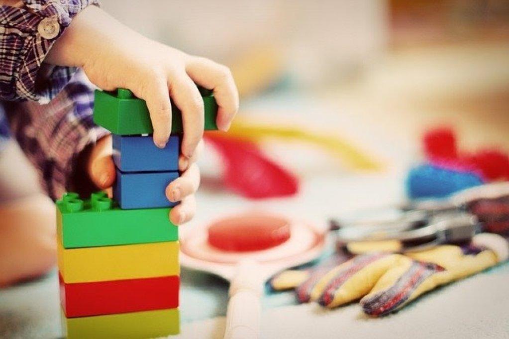 4 sfaturi pentru a alege jucăriile celor mici (între 0 și 3 ani)