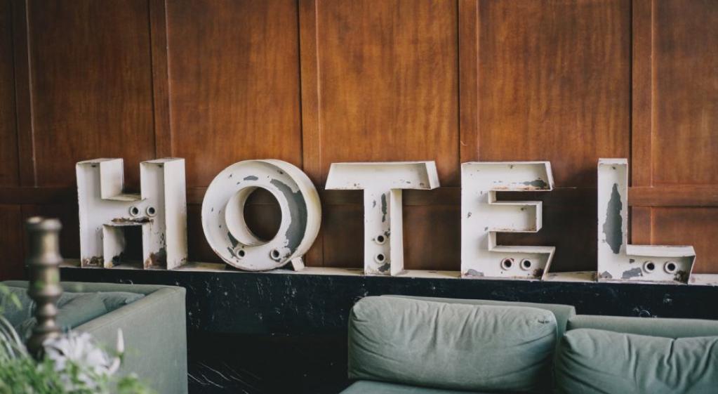Reciclarea deșeurilor în hotelul tău - Cum poți să fii mai eco-friendly!