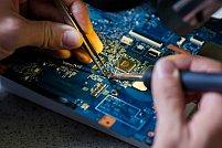 De ce trebuie sa ajungi cu laptopul intr-un centru de reparatii profesional?