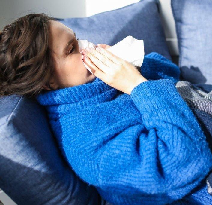 Diferența dintre răceala și gripă. Cum recunoști simptomele?