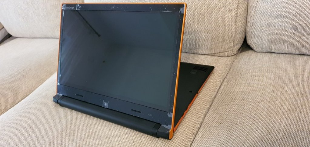 Vând Laptop Lenovo IdeaPad - Flex 14 C