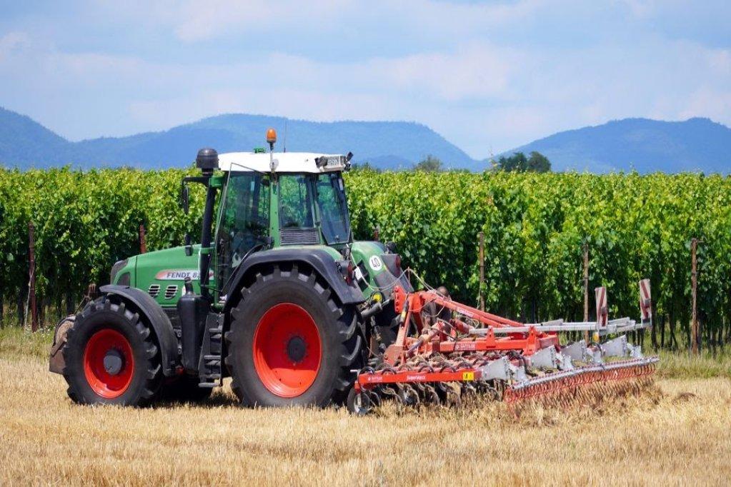 Sfaturi utile pentru alegerea tractorului potrivit