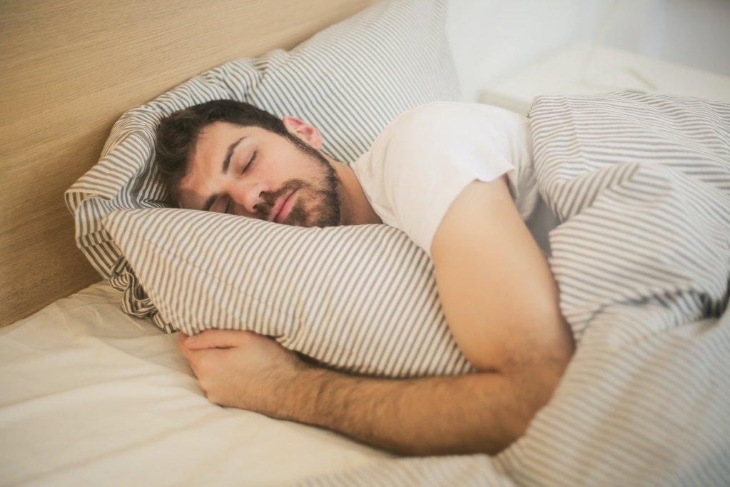 Somnul de noapte: de ce este vital pentru sănătate