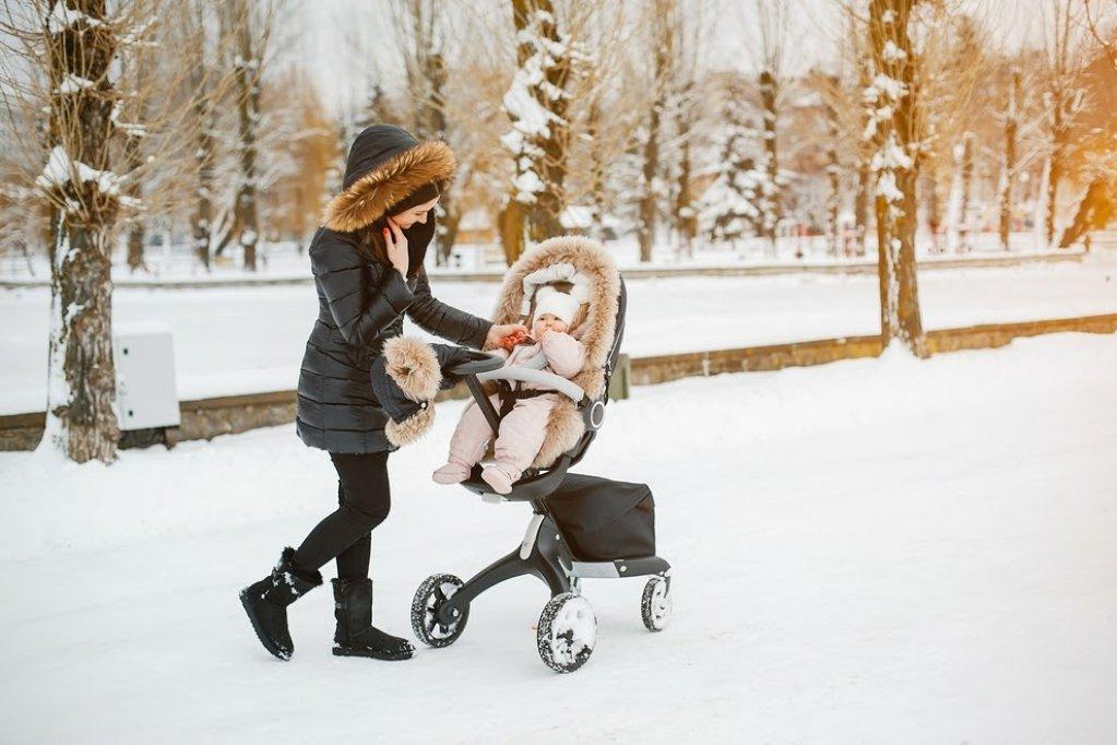 Cum îmbraci un nou-născut în sezonul rece