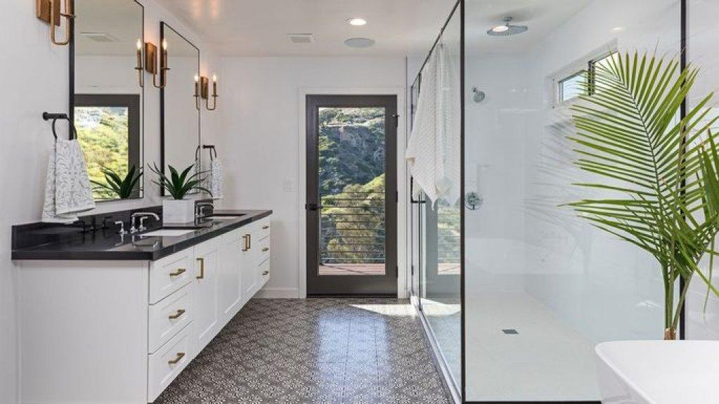Mobilierul de baie in stil minimalist, produsul vedeta al oricarei bai moderne