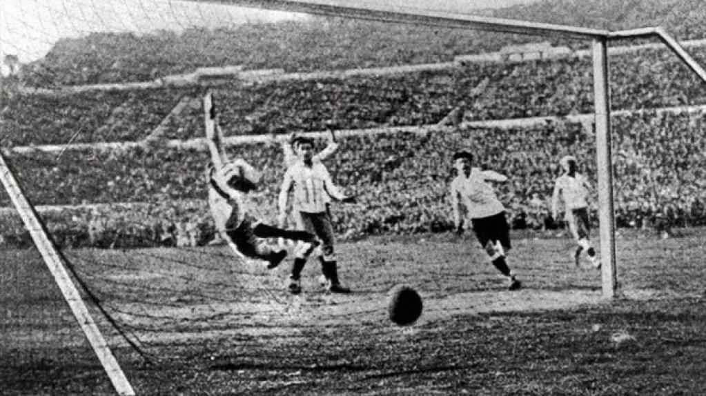 Cine a inventat de fapt fotbalul?