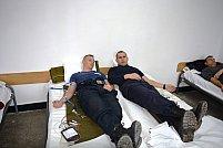 """Peste 8000 ml. de sânge ,,bleu – jandarm"""", au părăsit legal sediul Jandarmeriei Arad"""