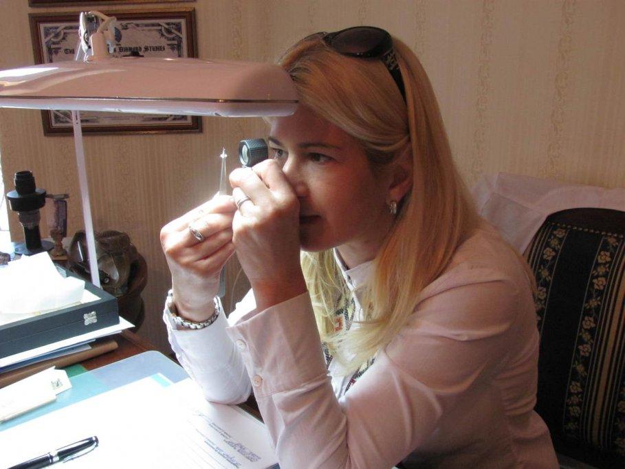 Expertizări și evaluări de diamante și pietre prețioase